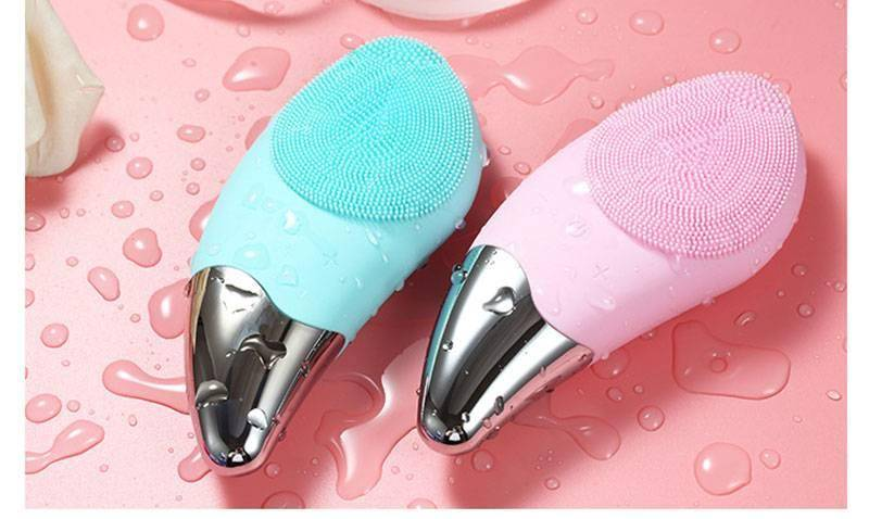 Ergonomic Electric Silicone Facial Cleansing Brush